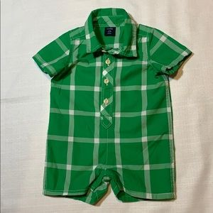 Baby Gap green/white plaid boys romper(0-3 months)